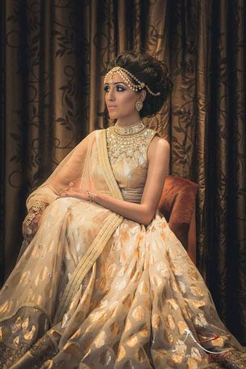 e3d613abe03bc ارتبطت الأزياء الهندية فى الفترة الأخيرة بشكل قوى فى مصر بليلة الحنة حيث  ترتدى العروس
