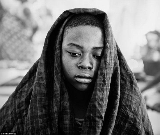 النساء فى تنزانيا تلد فى عيادات تفتقر إلى الأساسيات الطبية الأساسية -اليوم السابع -10 -2015