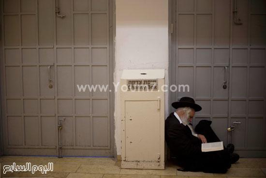متطرفون يهود يقتحمون مسجد مشهور للصلاة فيه تعرف عليه بالصور 1 23/10/2015 - 8:11 م
