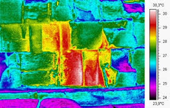 تكونات حرارية غامضة داخل الأهرامات تشير لغرف سرية