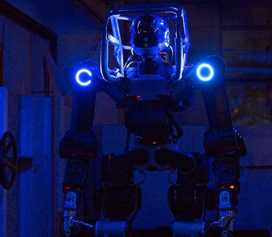 علماء يبتكرون روبوت متطور لإنقاذ الجنود والمشاركة فى الحروب