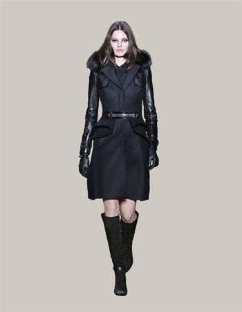بالطو من اللون الأسود مع أكمام طويلة من الجلد  -اليوم السابع -11 -2015