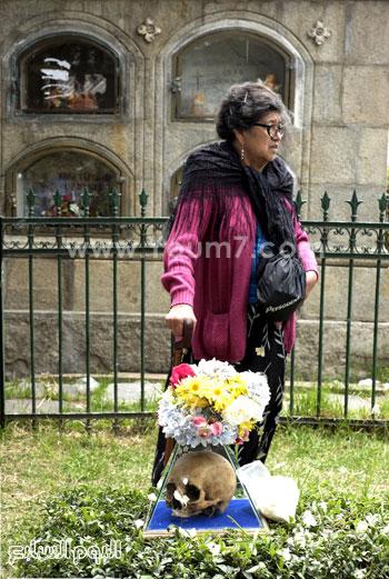 الجماجم مغطاة بالورد والزهور -اليوم السابع -11 -2015