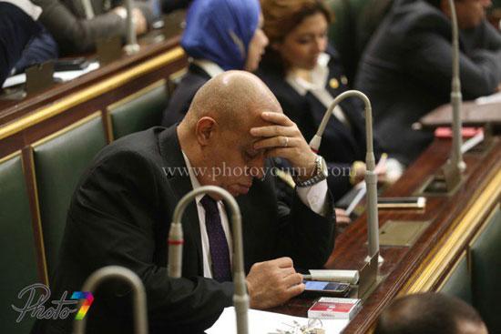 25 صورة توثق ولادة البرلمان الجديد (الجزمة والرقة والخناق) أهم ملامحه 5 10/1/2016 - 10:27 م