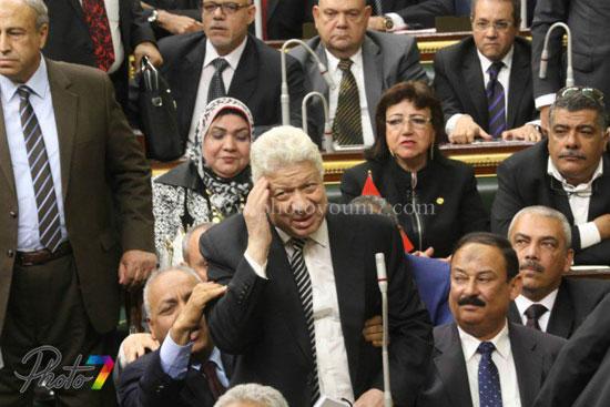 25 صورة توثق ولادة البرلمان الجديد (الجزمة والرقة والخناق) أهم ملامحه 8 10/1/2016 - 10:27 م