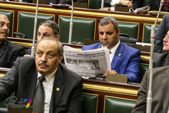 25 صورة توثق ولادة البرلمان الجديد (الجزمة والرقة والخناق) أهم ملامحه 12 10/1/2016 - 10:27 م