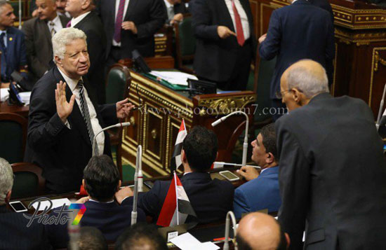 25 صورة توثق ولادة البرلمان الجديد ( الجزمة والرقة والخناق ) أهم ملامحه 14 10/1/2016 - 10:27 م