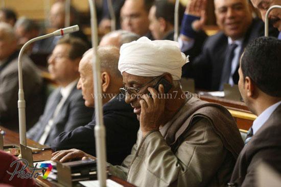 25 صورة توثق ولادة البرلمان الجديد (الجزمة والرقة والخناق) أهم ملامحه 21 10/1/2016 - 10:27 م