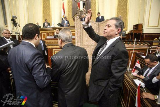 25 صورة توثق ولادة البرلمان الجديد ( الجزمة والرقة والخناق ) أهم ملامحه 10 10/1/2016 - 10:27 م