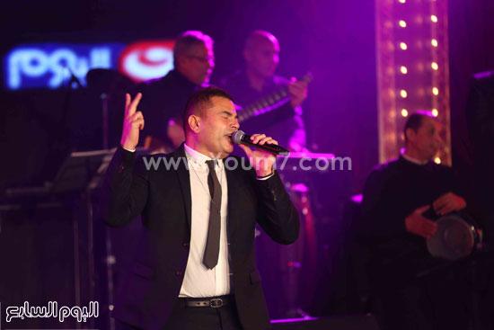 عمرو دياب حفل قنوات النهار (13)