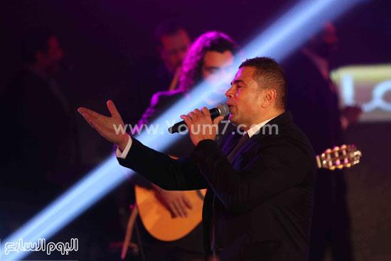 عمرو دياب حفل قنوات النهار (17)