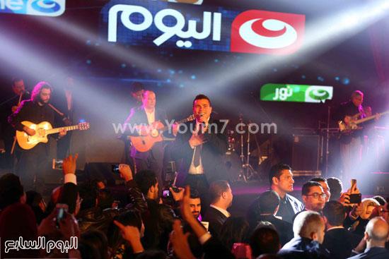 عمرو دياب حفل قنوات النهار (23)