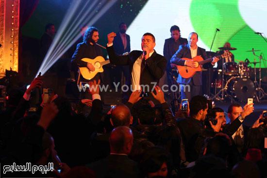 عمرو دياب حفل قنوات النهار (24)