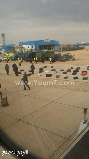 مطار القاهرة مصر للطيران قنبلة (1)