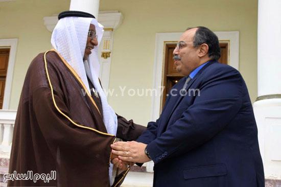 المهندس محمد عبد الظاهر محافظ الإسكندرية وقنصل السعودية منصور محمد سالم عبد الله  (1)