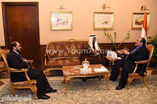 المهندس محمد عبد الظاهر محافظ الإسكندرية وقنصل السعودية منصور محمد سالم عبد الله  (3)