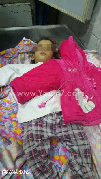 جثة الطفلة المتوفية بمستشفى المحلة بالغربية (1)