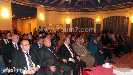 محافظ أسوان يشتكى لوزير التعليم العالى (3)