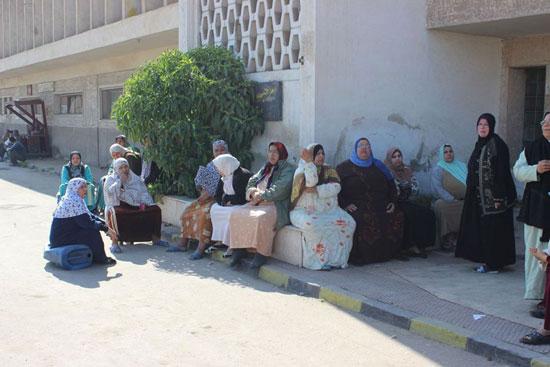 إضراب عمال سجاد دمنهور (3)