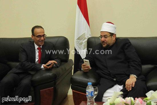 1 (26)محمد مختار جمعة معرض الكتاب وزير الاوقاف مجانية كتب الوسطية لنشر الوسطية الوسطية والاعتدال