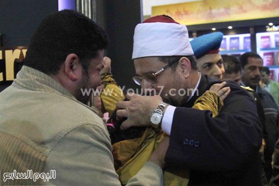 1 (30)محمد مختار جمعة معرض الكتاب وزير الاوقاف مجانية كتب الوسطية لنشر الوسطية الوسطية والاعتدال