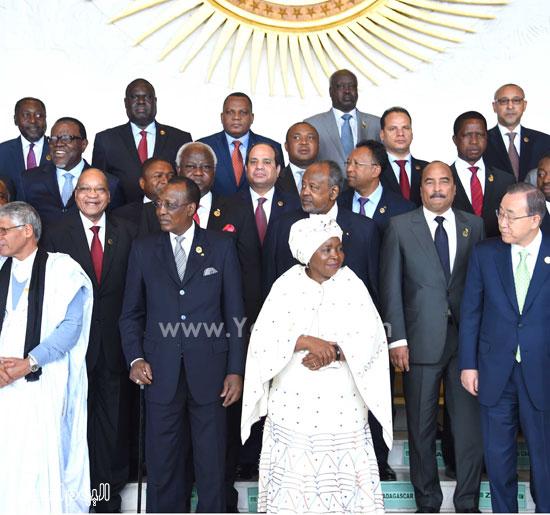 مشاركة-الرئيس-السيسي-فى-الجلسة-المغلقة-للقمة-الأفريقية-(1)