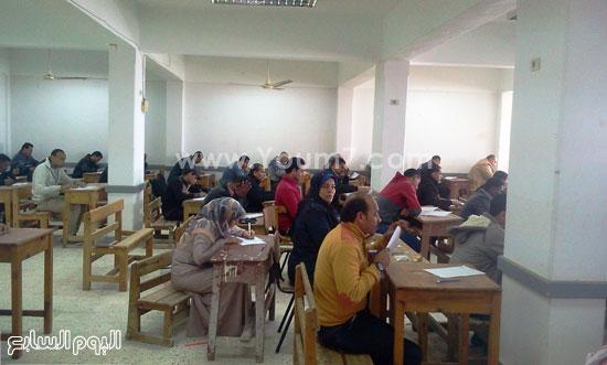 امتحانات التعليم المفتوح بجنوب سيناء (1)