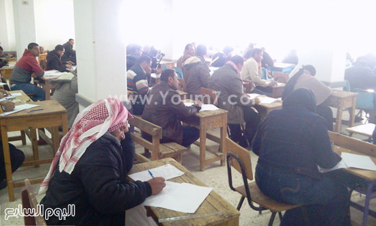 امتحانات التعليم المفتوح بجنوب سيناء (2)