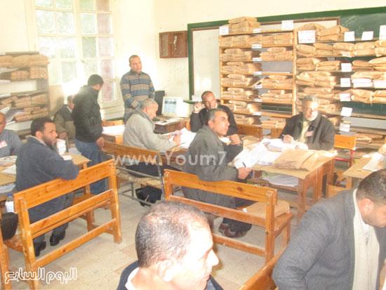 أعمال التصحيح باللجان للصف الثالث الإعدادى فى كفر الشيخ (9)