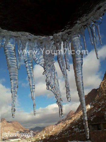 الثلوج تكسو جبال سيناء (3)