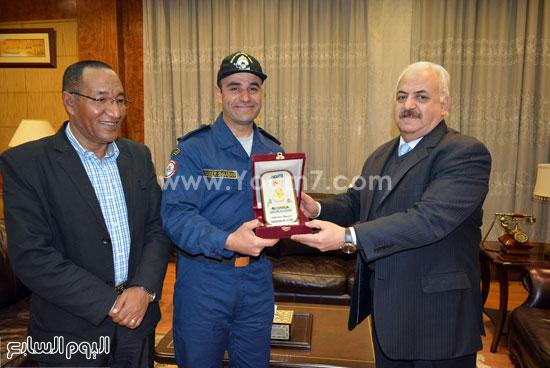 تكريم فرقة القوات البحرية (2)