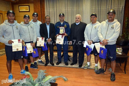 تكريم فرقة القوات البحرية (3)