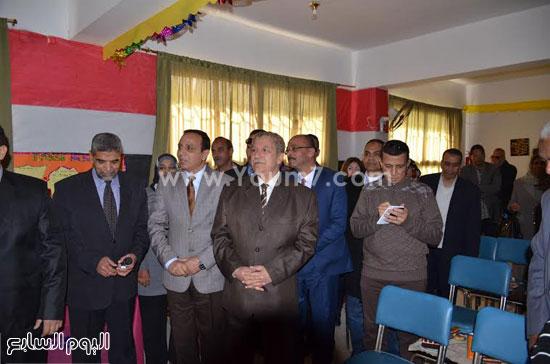 المحافظ اثناء الافتتاح -اليوم السابع -12 -2015