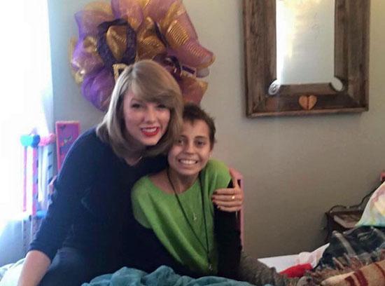 تايلور سويفت مع الطفلة ديلانى كليمنتس -اليوم السابع -12 -2015