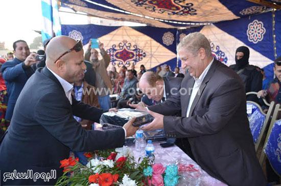 تكريم مأمور قسم شرطة الضواحي -اليوم السابع -12 -2015