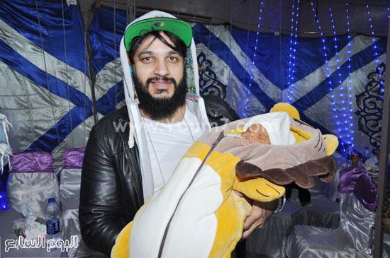 صور عقيقة ابن سعد الصغير في صوان بالشارع بحضور نجوم الفن و الغناء