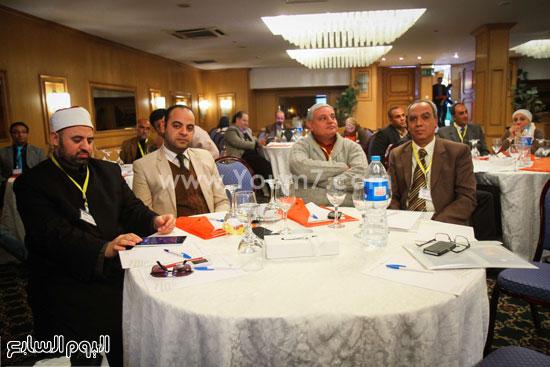 مؤتمر تطوير المجتمع والسياسات الصحية والقانونية والبنية التشريعية للتجاوب مع فيروس نقص المناعة الإيدز فى مصر (10)