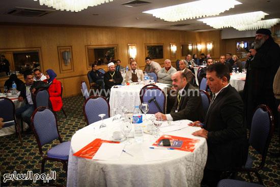 مؤتمر تطوير المجتمع والسياسات الصحية والقانونية والبنية التشريعية للتجاوب مع فيروس نقص المناعة الإيدز فى مصر (12)