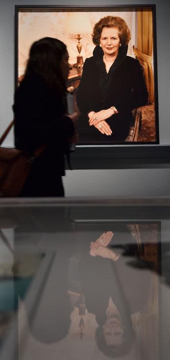 -مجلة-فوج-البريطانية-توثق-نجاحتها-فى-معرض-فنى-بلندن--(3)