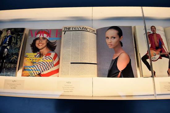 -مجلة-فوج-البريطانية-توثق-نجاحتها-فى-معرض-فنى-بلندن--(7)