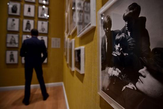 -مجلة-فوج-البريطانية-توثق-نجاحتها-فى-معرض-فنى-بلندن--(6)