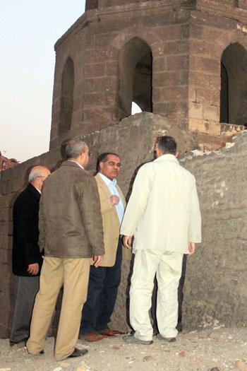 انهيار سور القرافة المجاور لمسجد الأنسى (2)