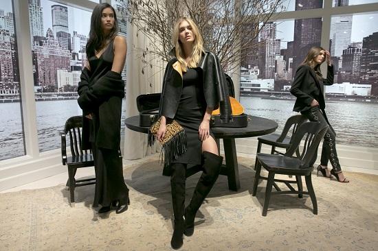 عرض أزياء بأسبوع الموضة بنيويورك (6)
