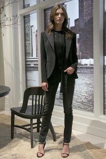عرض أزياء بأسبوع الموضة بنيويورك (8)