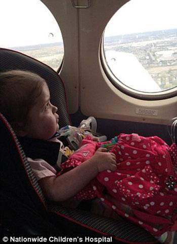 طفلة أمريكية تحارب المرض بـ12 عملية جراحية (4)