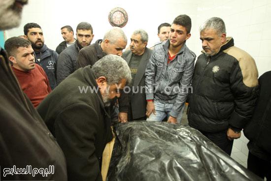 تشييع جثمان المراهقة الفلسطينية كلزار العويرى (1)