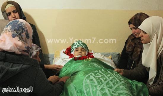 تشييع جثمان المراهقة الفلسطينية كلزار العويرى (4)