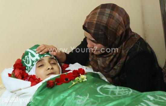 تشييع جثمان المراهقة الفلسطينية كلزار العويرى (6)