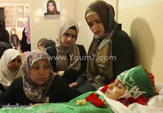 تشييع جثمان المراهقة الفلسطينية كلزار العويرى (8)
