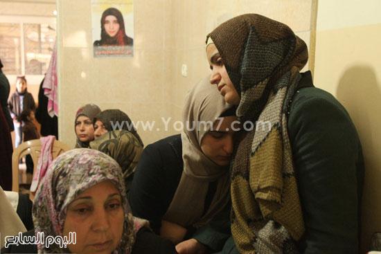 تشييع جثمان المراهقة الفلسطينية كلزار العويرى (9)